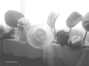 08- chapeaux n et b