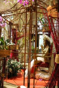 15- la mariée en cage fleurie